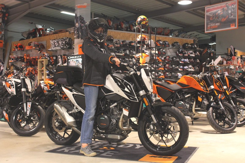 ktm 690 duke version surbaissée par CTM 83