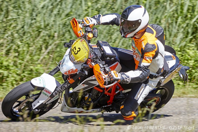 FLORENT DERRIEN SUR KTM 690 DUKE R 1ER EN CATEGORIE MONO DU DARK DOG RALLYE MOTO TOUR 2015