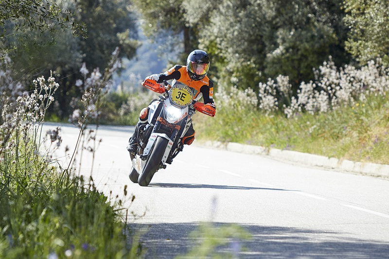 florent derrien ktm team france champion de france catégorie mono sur ktm 690 duke r